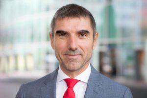 Paul Blokhuis, le secrétaire d'État à la santé aux Pays-Bas, veut durcir la législation à l'encontre de la vape