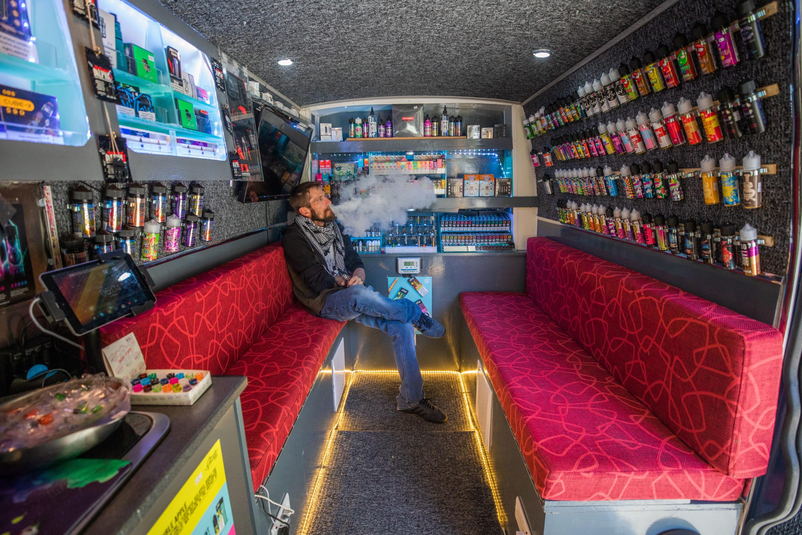Le premier vape shop mobile sillonne les routes d'Écosse